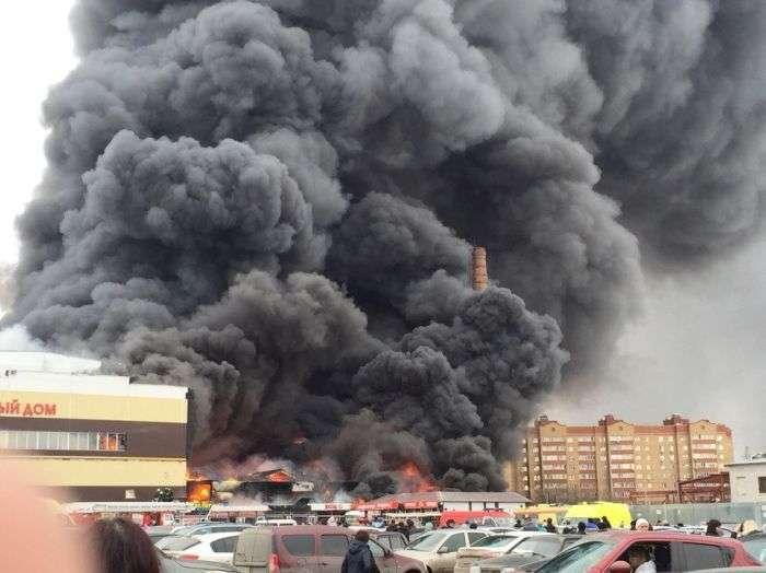 В результаті пожежі в казанському ТЦ «Адмірал» загинули і постраждали люди (11 фото + 2 відео)