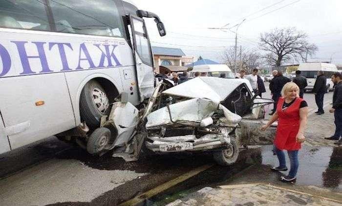 У Володимирській області в ДТП потрапив автобус з литовськими хокеїстами (6 фото)