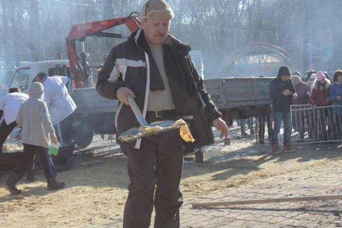 Як жителі Ставрополя їли млинці на Масляну (10 фото)