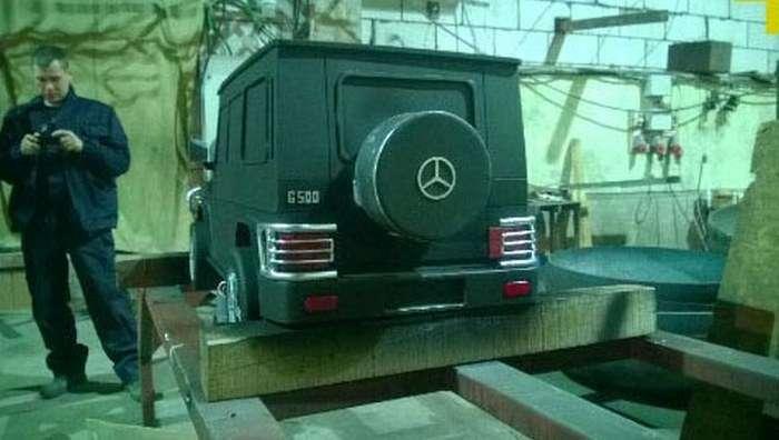 Оригінальний мангал у формі Mercedes Gelandewagen (18 фото)