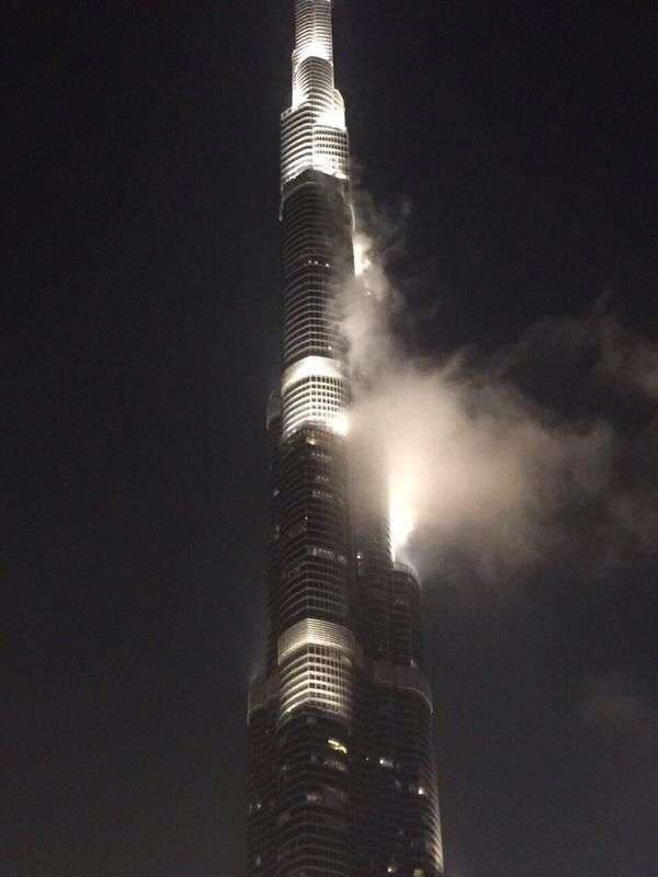 Користувачі соцмереж поширили фейк про пожежу в хмарочос Бурдж-Халіфа (5 фото)