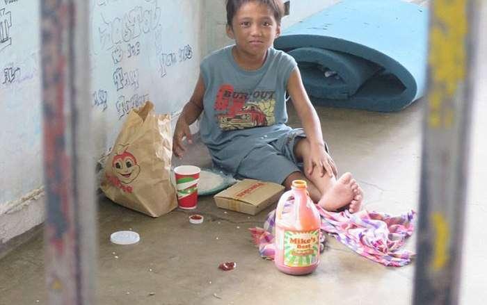 Заради тата Франциска з вулиць Маніли прибрали сиріт (16 фото)