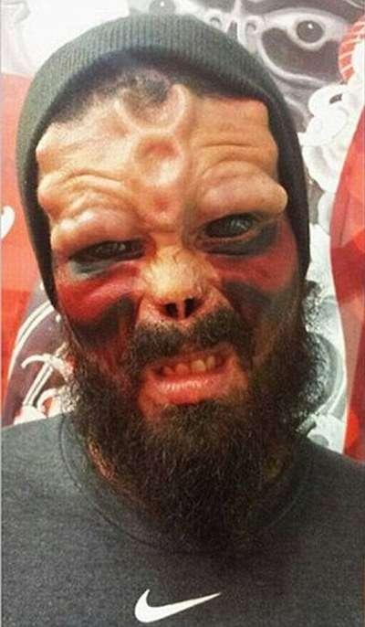 Чоловік перетворив себе в Червоного Черепа з «Капітана Америки» (11 фото)