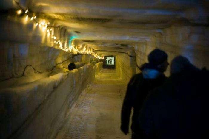 Ісландці перетворюють льодовик Лаунгйекюдль в туристичну визначну памятку (16 фото)