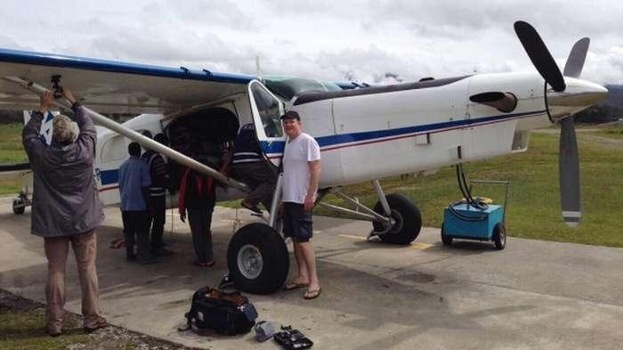 Депутати Держдуми Олег Савченко та Олександр Сидякін побували в гостях у папуасів Індонезії (3 фото)
