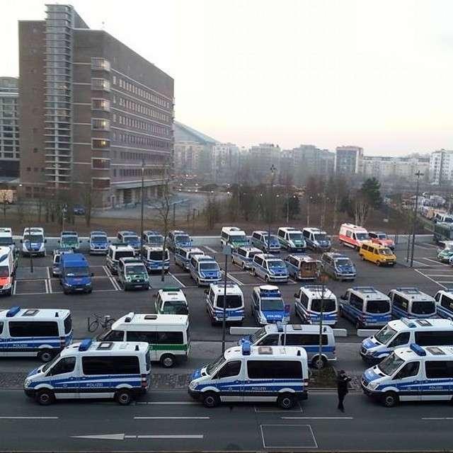 У Франкфурті-на-Майні відбулися сутички між поліцією і учасниками протестної акції (20 фото)