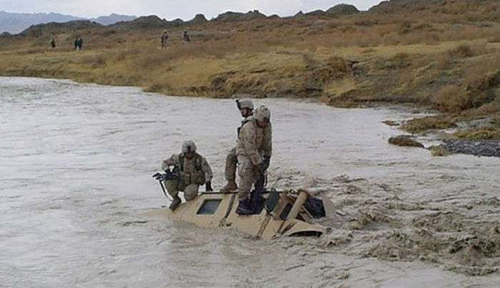 Фотопідбірка армійських приколів (44 фото)
