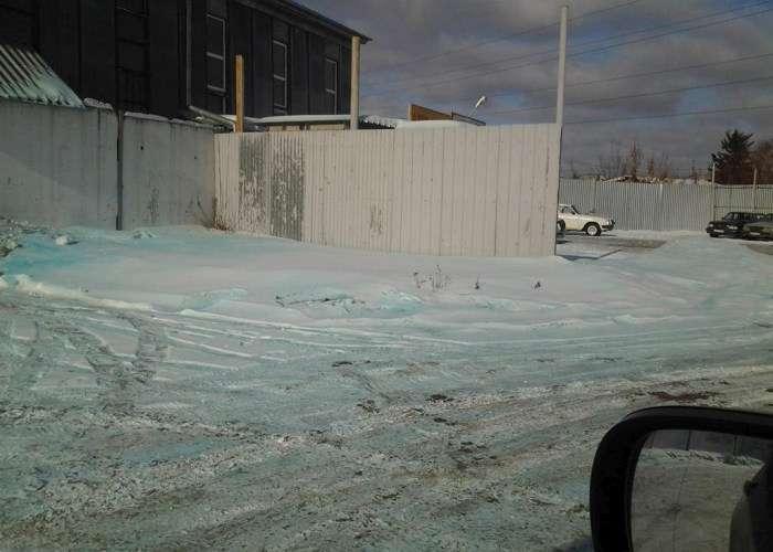 У Челябінській області випав сніг блакитного кольору (9 фото + відео)