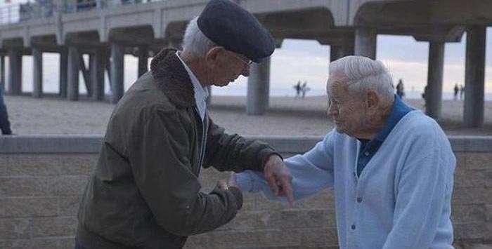 Подяку ветерану, врятував від страшної смерті (4 фото)