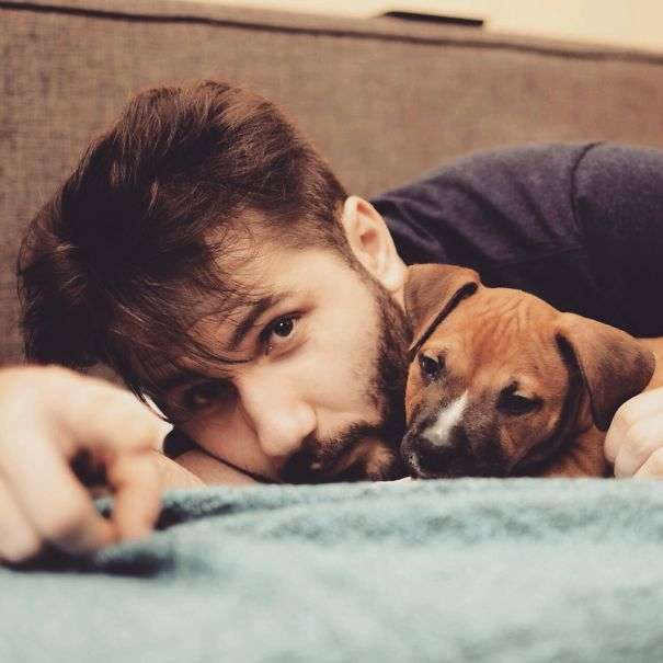 Симпатичні хлопці і милі собаки (23 фото)