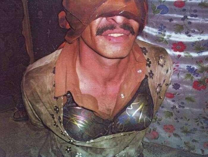 Терористи ИГИЛа в жіночих сукнях втекли з поля бою (3 фото)
