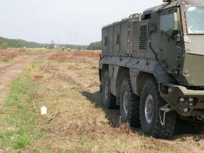 Перше знайомство з новим бронетранспортером КАМАЗ-63969 «Тайфун» (10 фото)