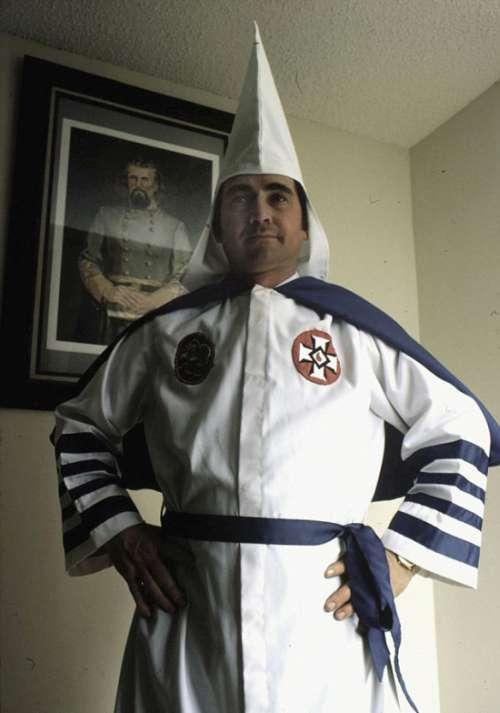 Колишній член Ку-Клукс-Клану нині живе серед негрів і латиноамериканців (13 фото)