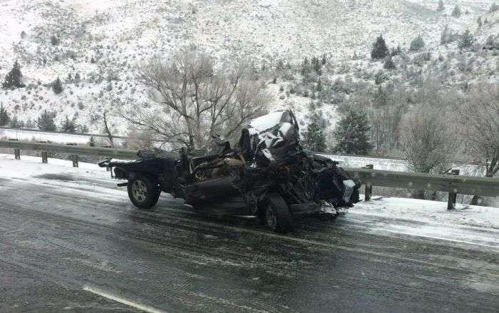 Везучий водій дивом вижив у страшному ДТП (10 фото)