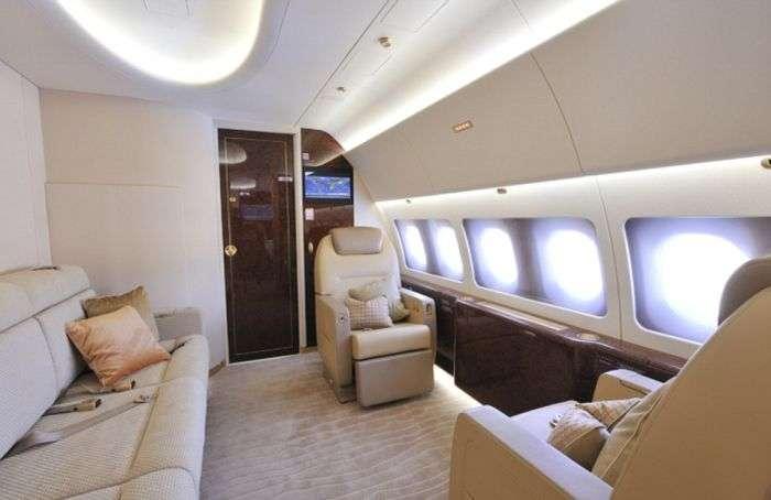 Принц Чарльз і його дружина Камілла орендували розкішний Airbus A320 Head Of State за 250 000 фунтів стерлінгів (10 фото)