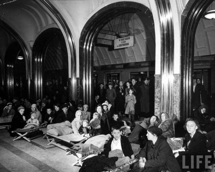 Фотографії Москви 1941 року в американській книзі «Знімаючи російську війну» (51 фото)