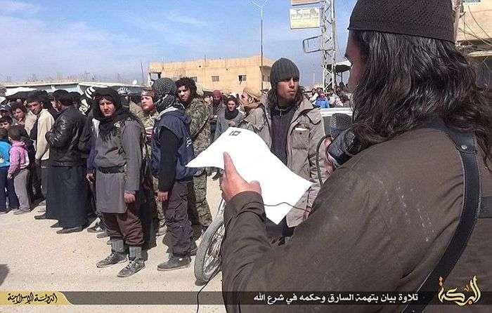 Бойовики ИГИЛа знову відрубали руку вору (8 фото)