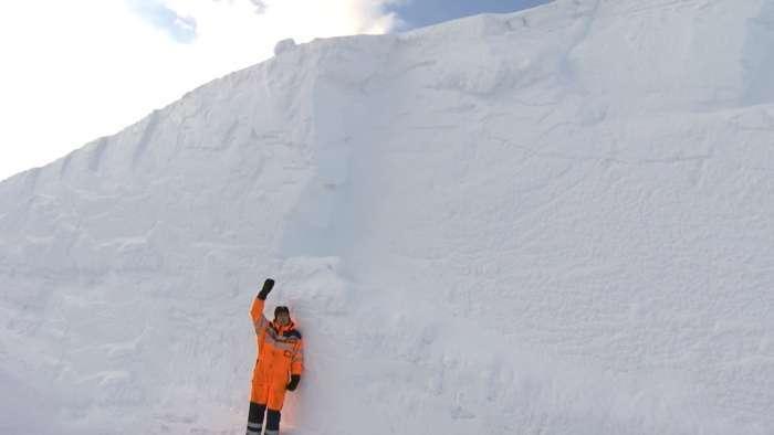 Дивовижна та небезпечна гірська дорога в Норвегії (6 фото)