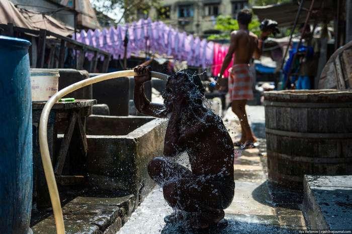 Дхобі-Гхат – район прачок в Мумбаї (26 фото)