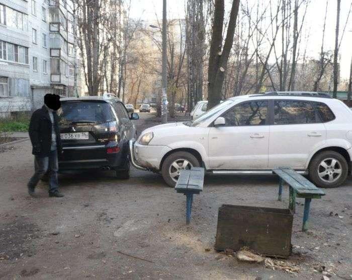 Інцидент на дворовій парковці (5 фото)