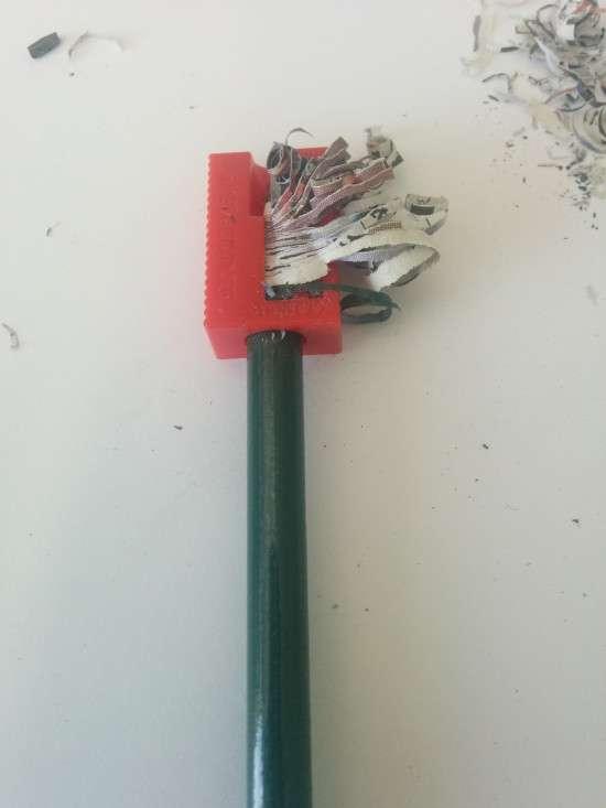 Олівець з вторсировини (3 фото)