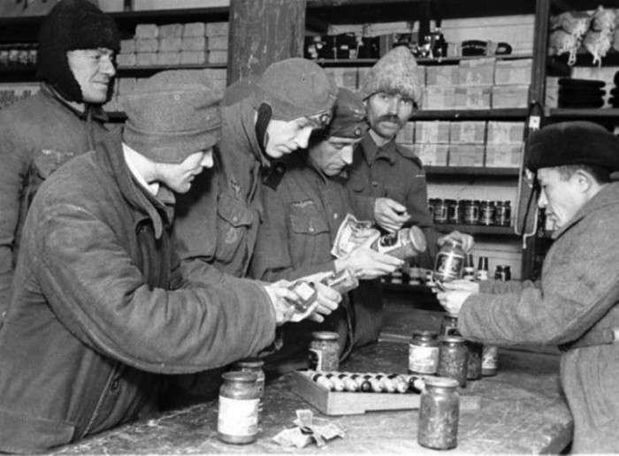 Умови утримання німецьких військовополонених в СРСР (3 фото + текст)