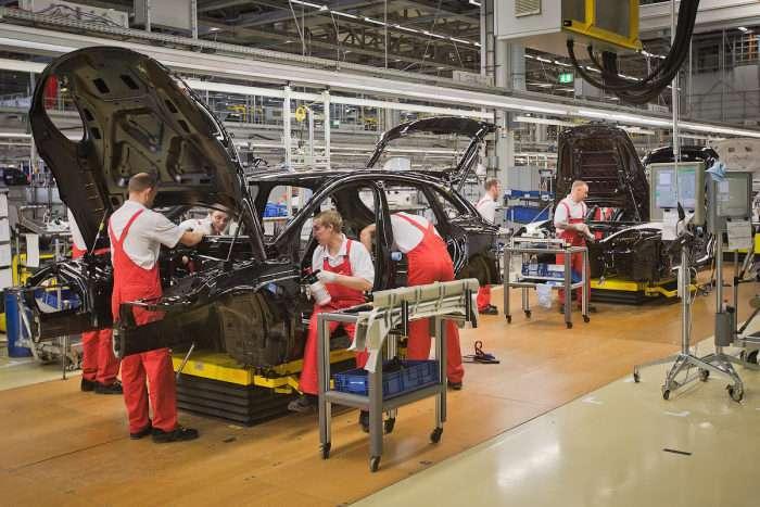 Фоторепортаж з лейпцизького заводу Porsche (45 фото)