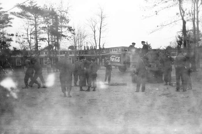 Відновлені знімки, зроблені невідомим солдатом у часи Другої світової війни (21 фото)