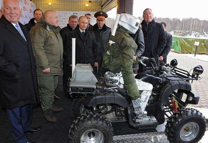 Путіну показали вітчизняного людиноподібного робота (2 фото)