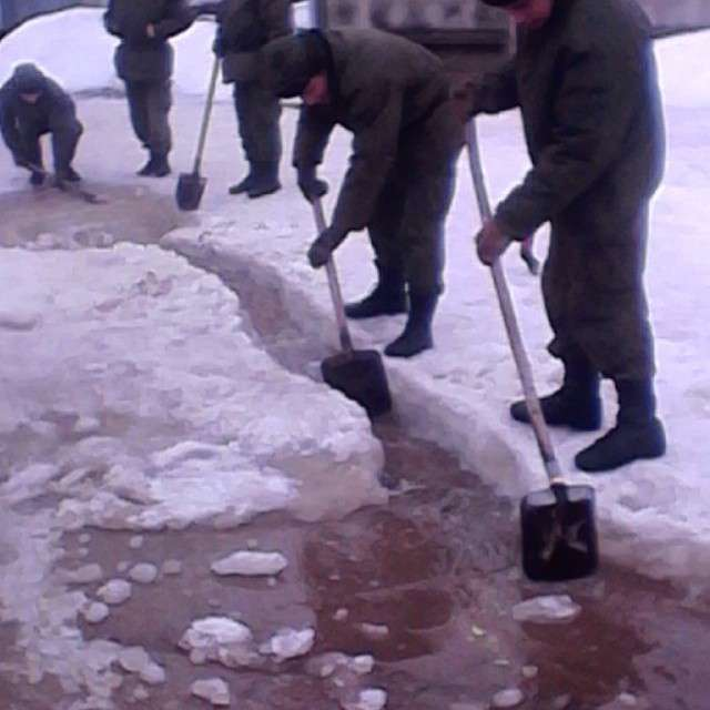 Служба російських солдатів-строковиків на фото в Instagram (32 фото)