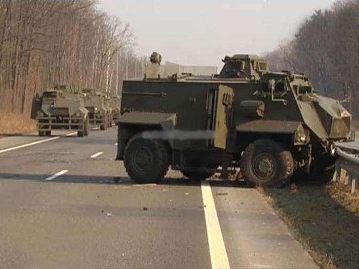 Українська армія зазнала небойові втрати на трасі Київ-Харків (4 фото)