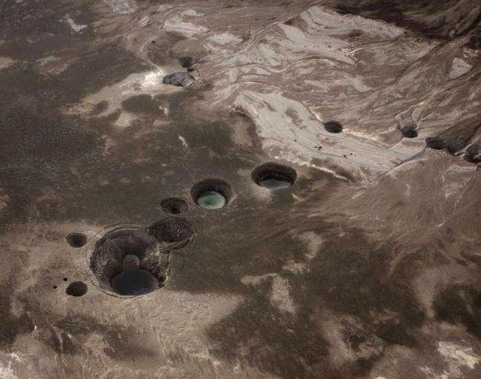 Фотографії моторошних провалів з різних куточків планети (28 фото)