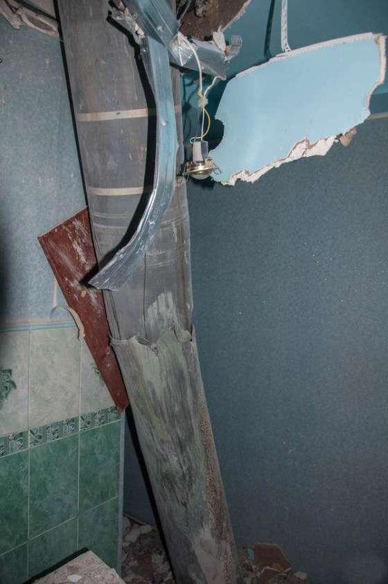 Ракета «Смерч» влучила в житловий будинок (4 фото)