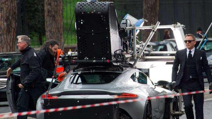 Автомобіль Джеймса Бонда (6 фото)