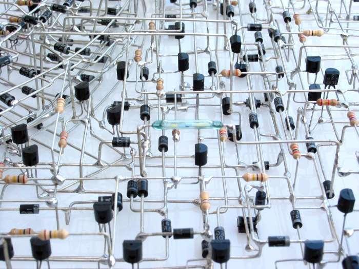 Унікальні саморобні електронні годинники (7 фото)