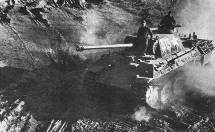 Трофейна військова техніка в руках бійців Червоної армії (44 фото)