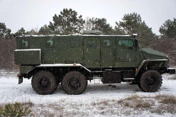 Новий бронеавтомобіль Урал ВВ на озброєнні російської армії (11 фото)