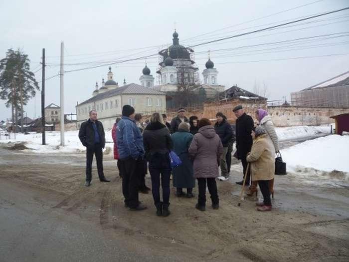 Через реставрації монастиря люди змушені боротися за власні будинки (12 фото)