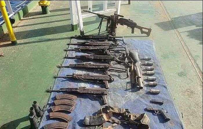 З чим йдуть на штурм кораблів сомалійські пірати (24 фото)